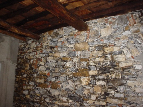 Muro pietra sporco ardesia restauro - Muro pietra interno ...